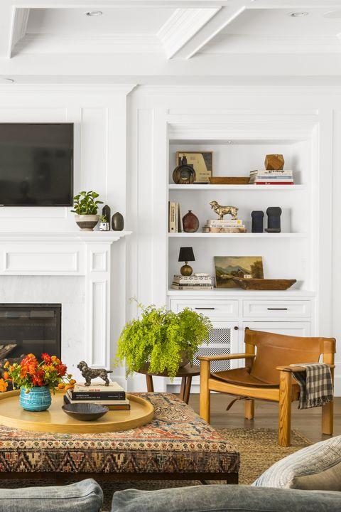 white texturedliving room