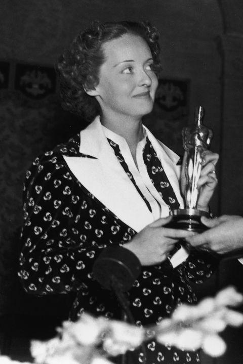 Scandalous Oscars Dresses - Bette Davis