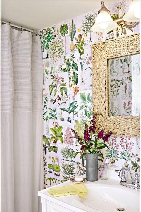 bathroom decor ideas floral wallpaper