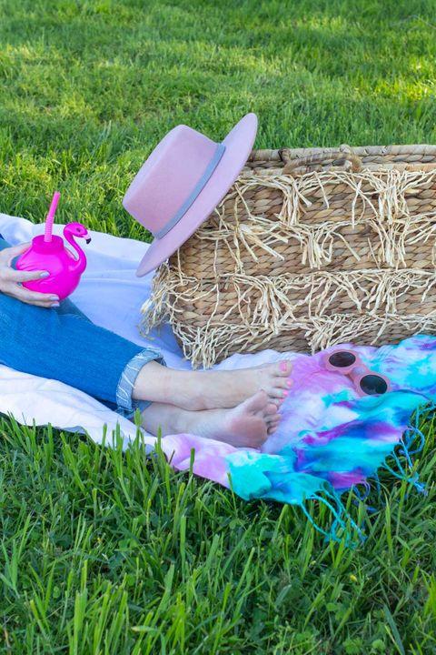 tie dye picnic blanket