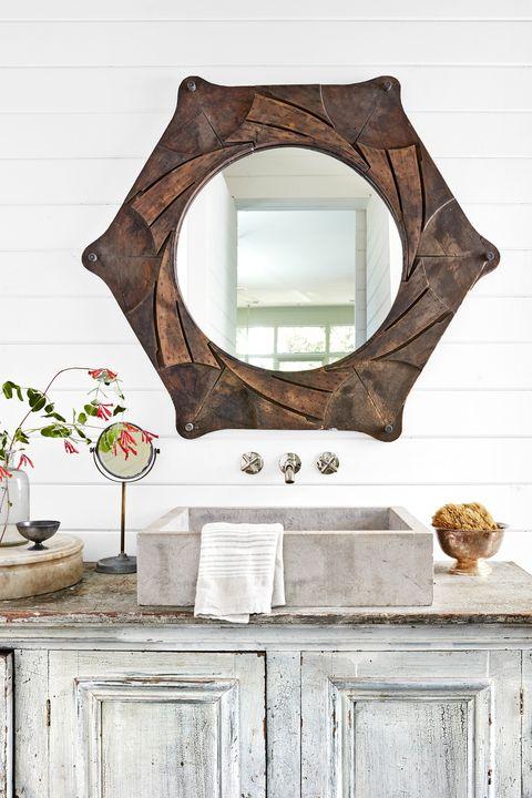 wood bathroom accents
