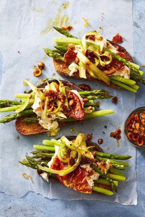 asparagus, burrata, and prosciutto tartines
