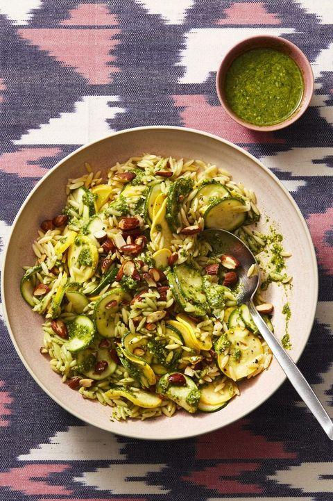 bbq side dishes   pesto zucchini orzo